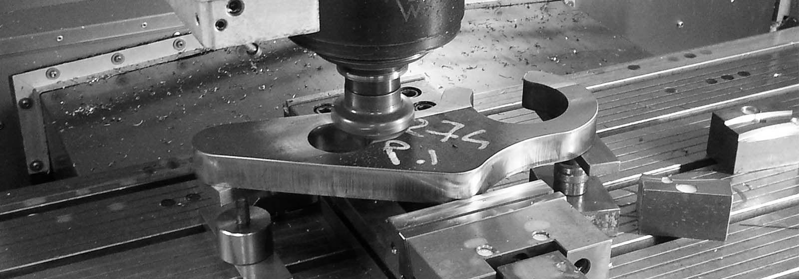 Officina meccanica di precisione lavorazioni meccaniche for Arredamento officina meccanica
